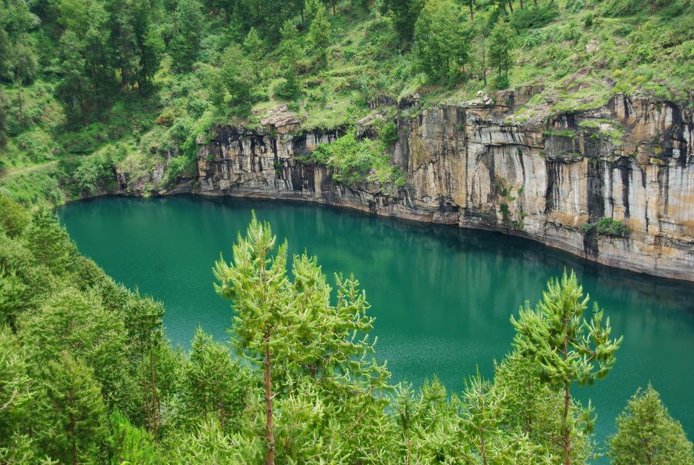 Lac de cratère Tritiva