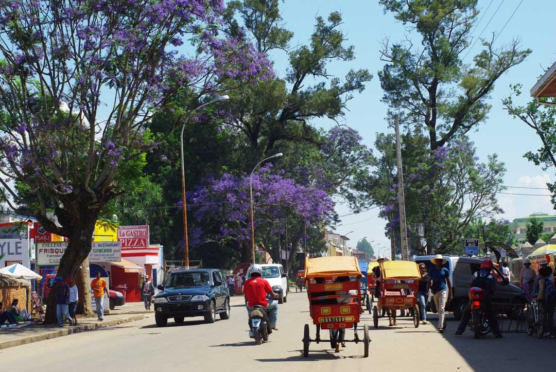 Rue dans le centre-ville d'Antsirabe