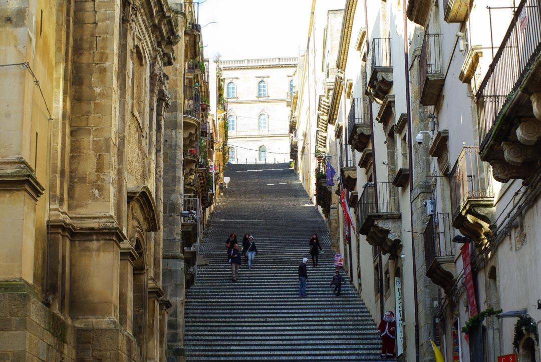 Escalier de Santa Maria del Monte à Caltagiron