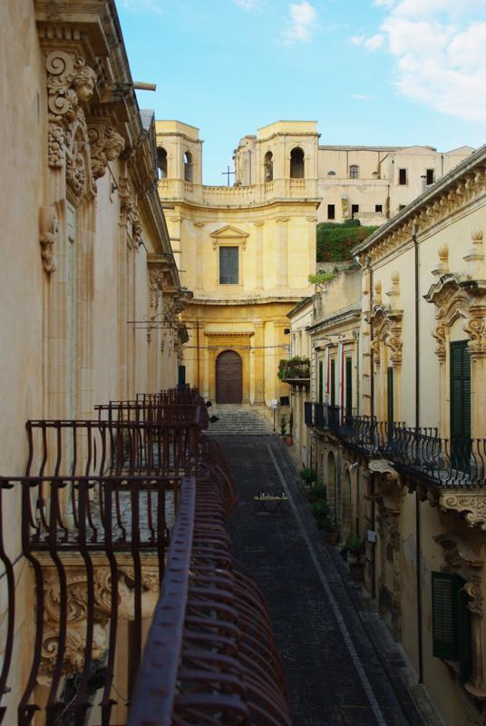 les batiments baroques de la via Nicolaci à Noto