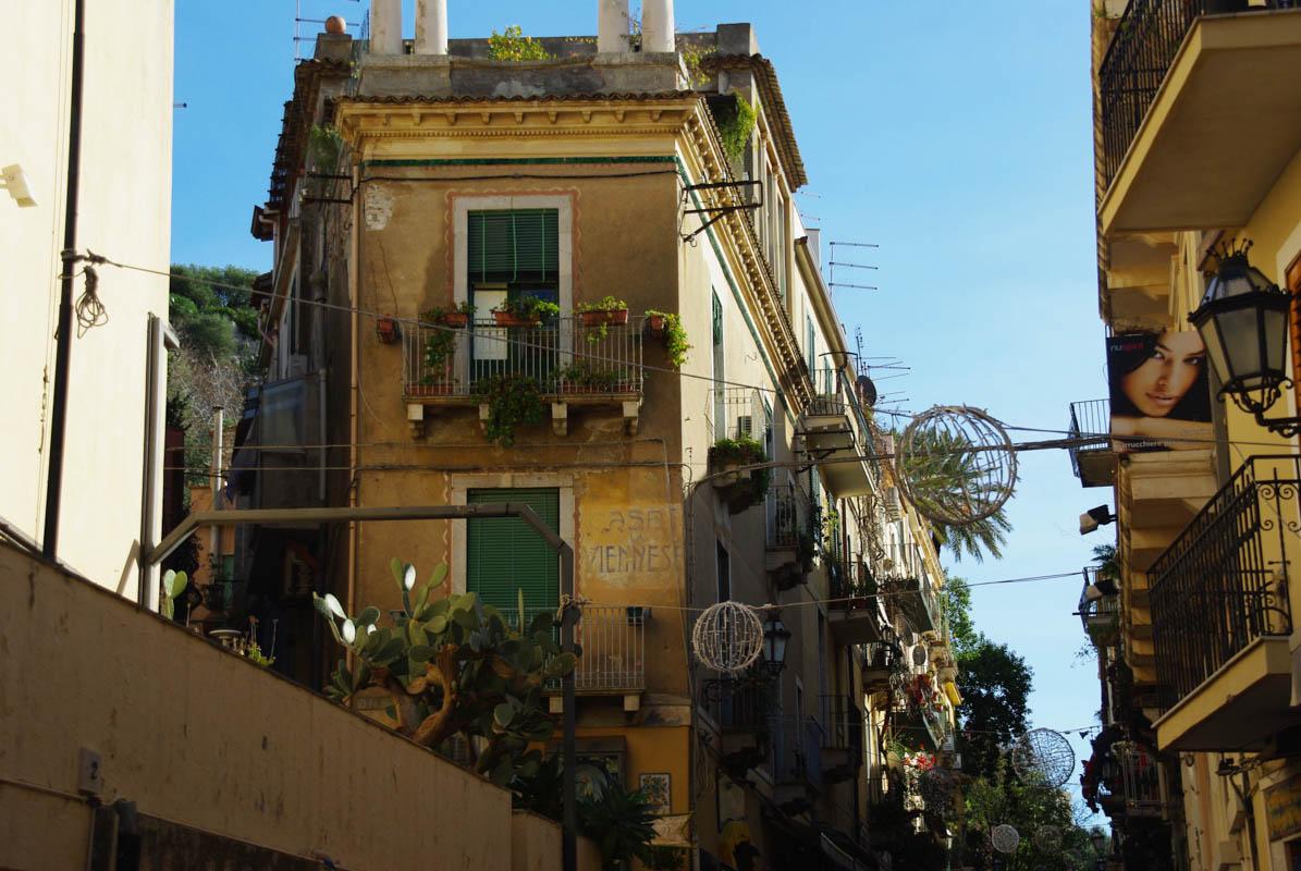Rue de Taormina en Sicile