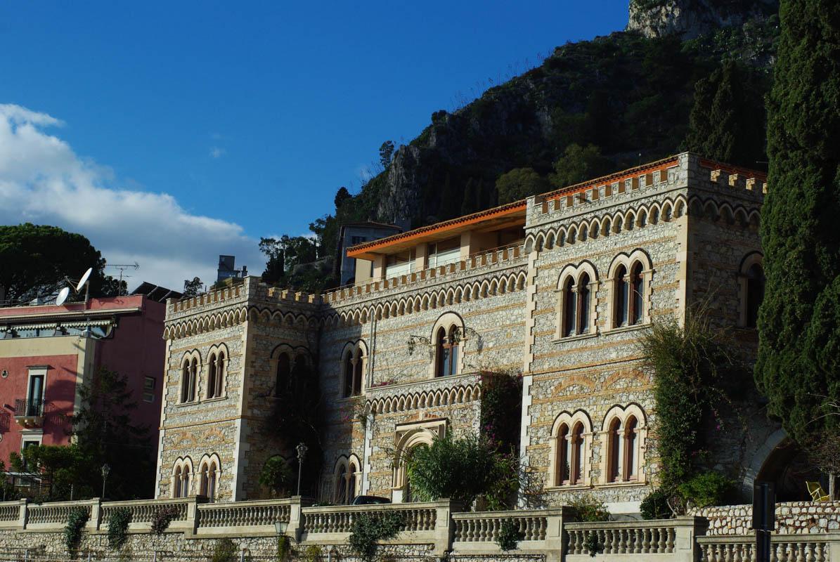 Un des magnifiques palais de Taormina