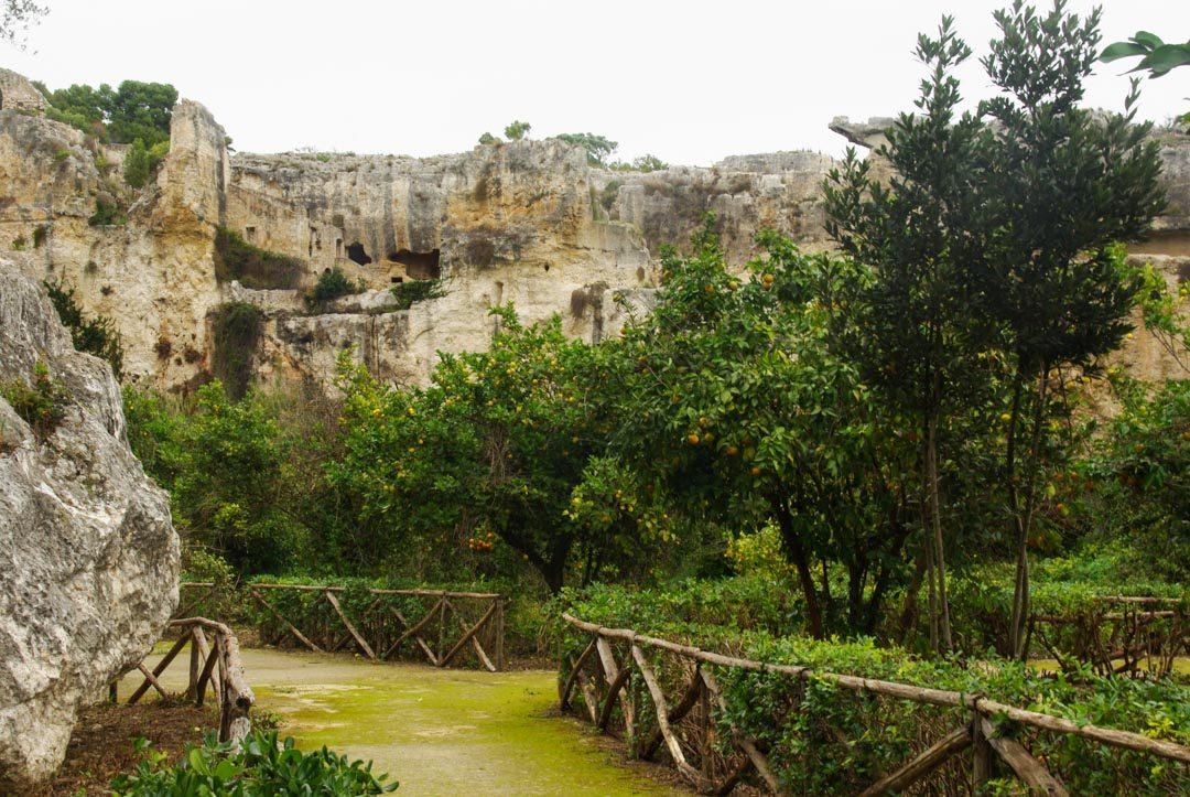 les anciennes carrières de pierre de Syracuse