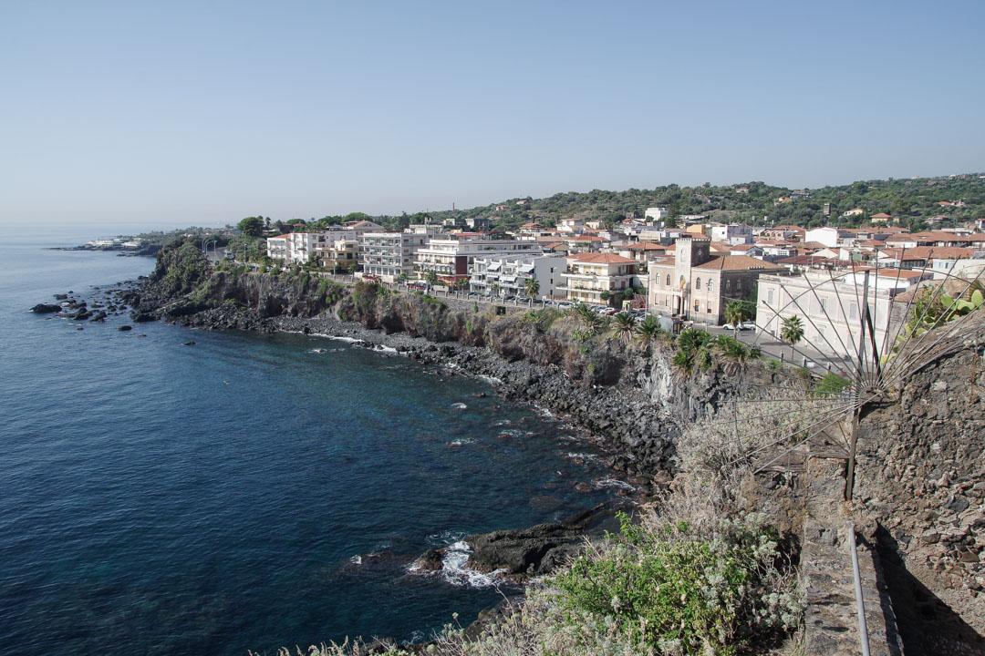 Aci Castello sur la côte des cyclopes en Sicile