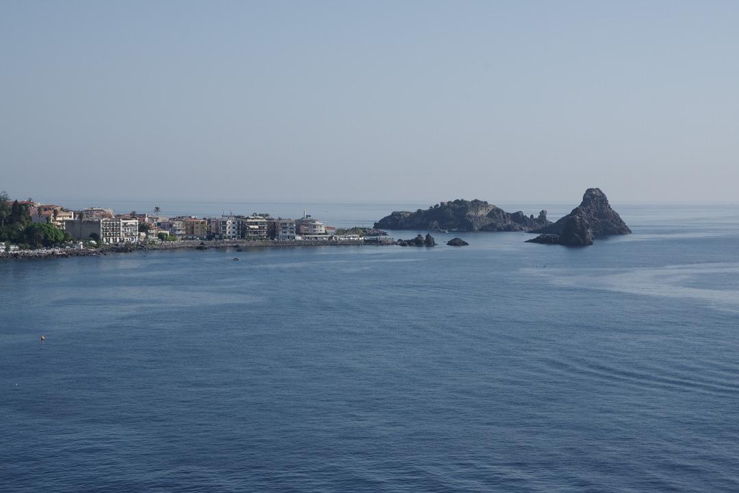 Les rochers des cyclopes à Aci Trezza