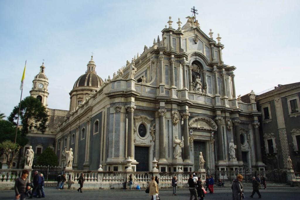 Façade principale du Duomo de Catane