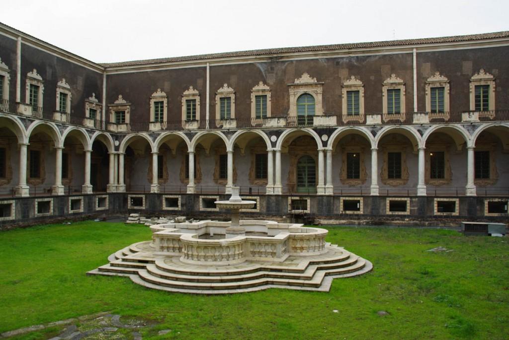 cloitre - monastère bénédictin de San Nicolo l'Arena