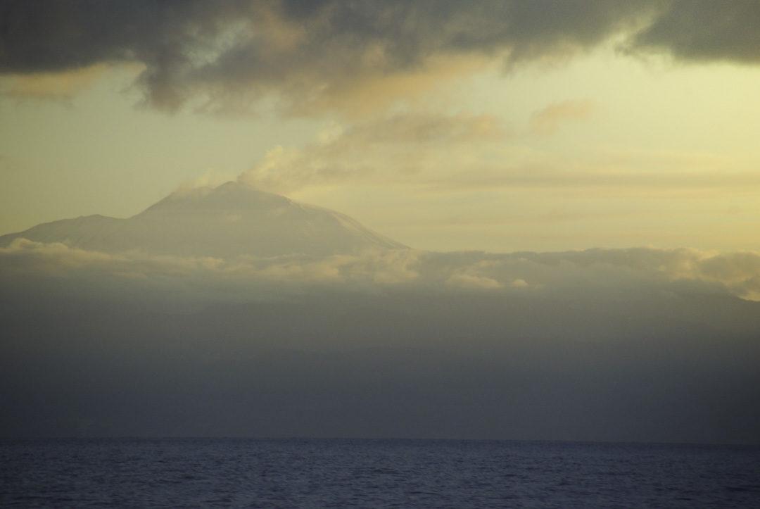 coucher de soleil sur l'Etna en eruption