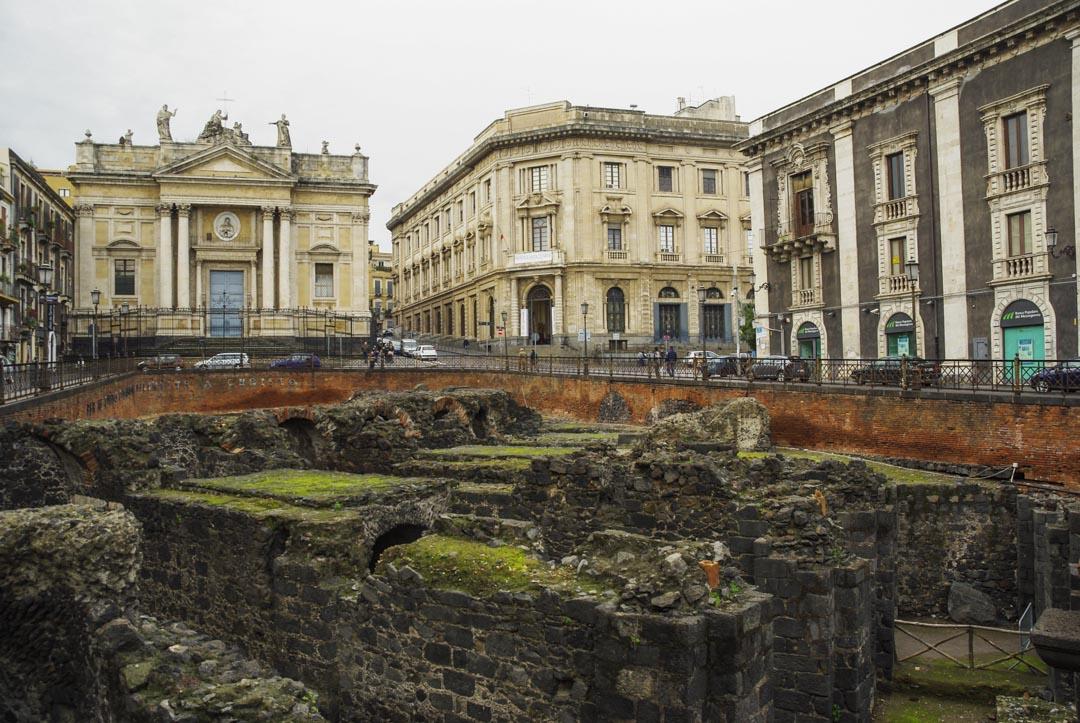 fouilles de l'amphithéatre romain à Catane