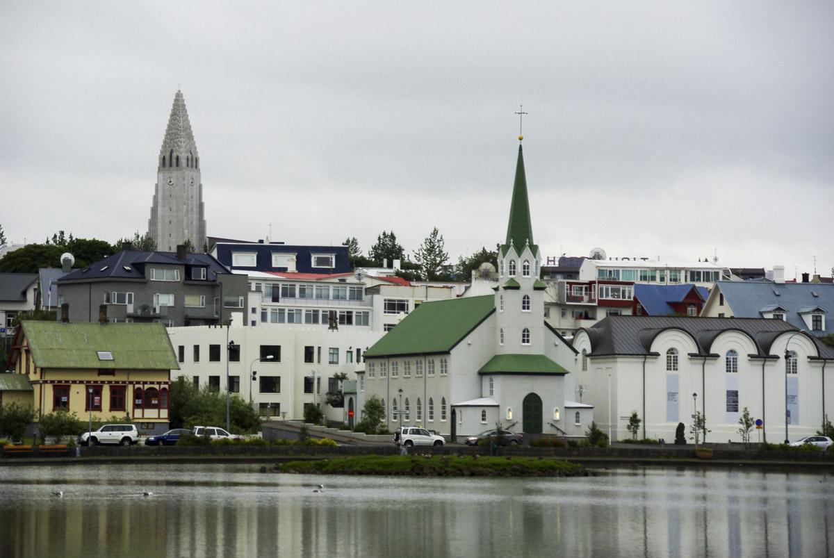 lac Tjörnin au centre de Reykjavik