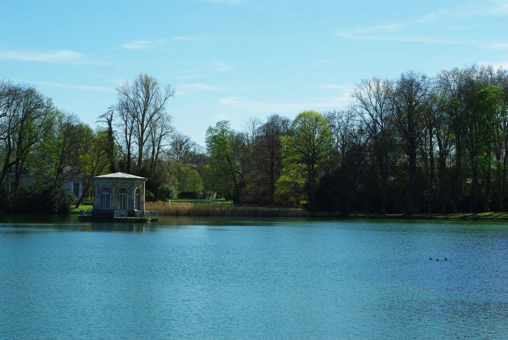 jardins et lac du chateau de fontainebleau