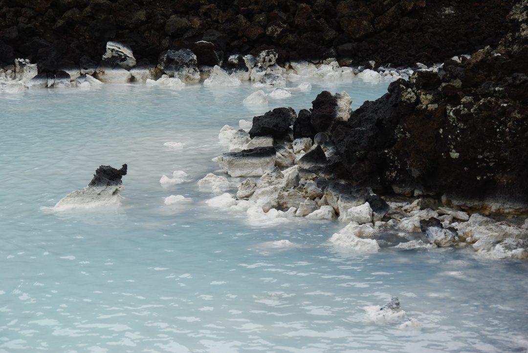 détail de l'eau du Blue Lagoon en Islande
