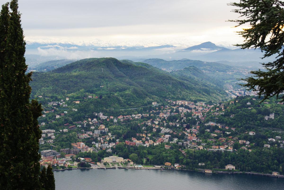 Panorama sur la ville de Côme et son lac