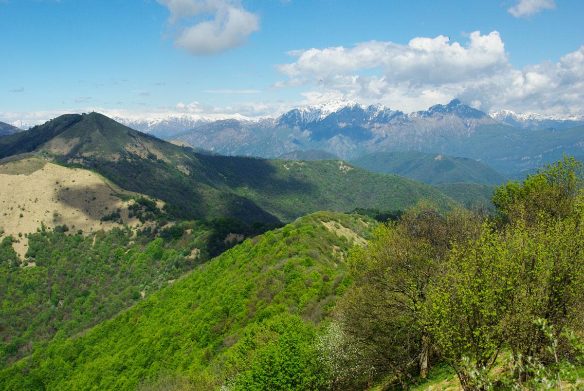 les montagnes autour du lac de Côme
