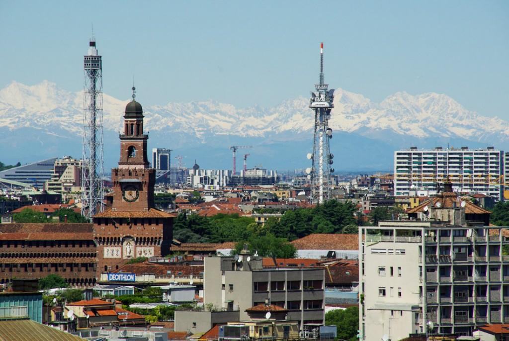 Panorama sur les Alpes depuis le toit du Duomo de Milan