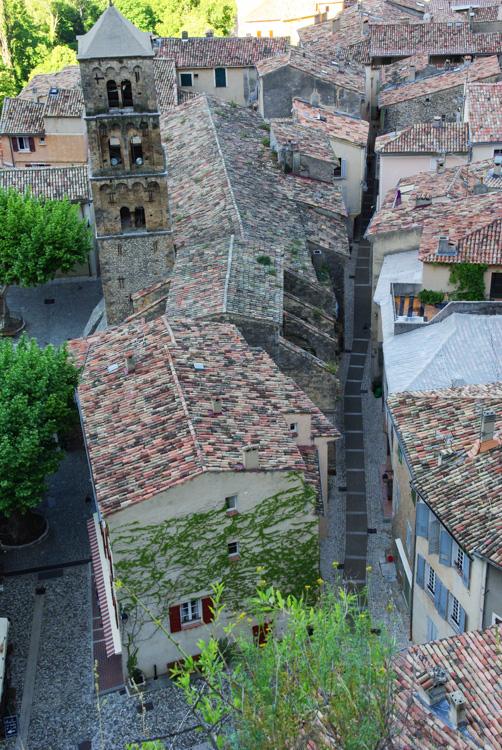 Vue sur les toits de Moustiers Sainte Marie