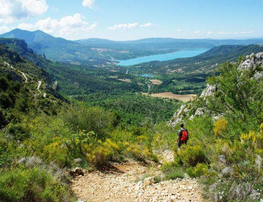 paysage du Verdon - panorama sur le lac de Sainte Croix