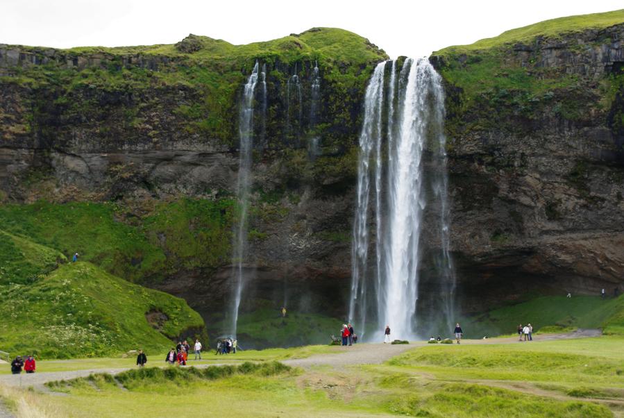 De Seljalandsfoss à Skógafoss : des cascades comme s'il en pleuvait