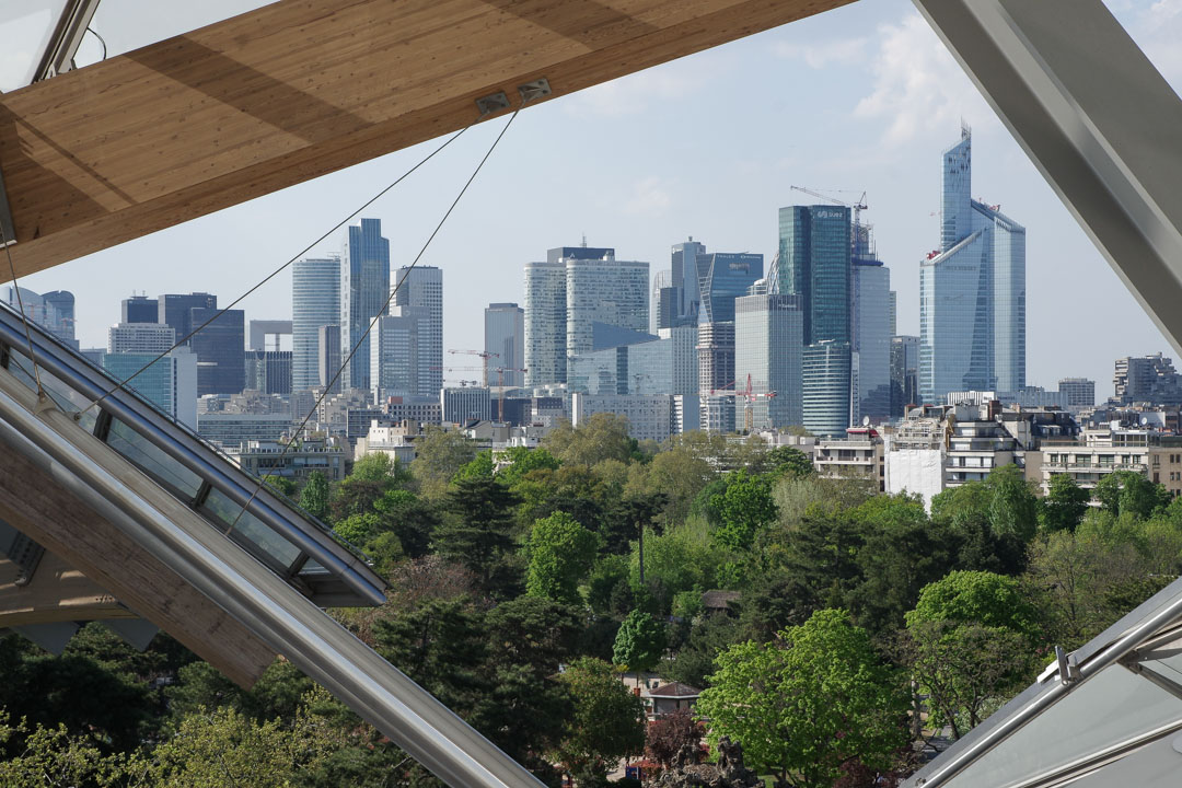 Vue depuis la Défense depuis la Fondation Louis Vuitton