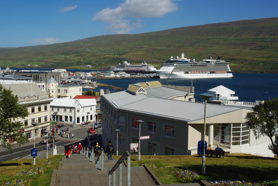 Vue sur le port d'Akureyri - Islande