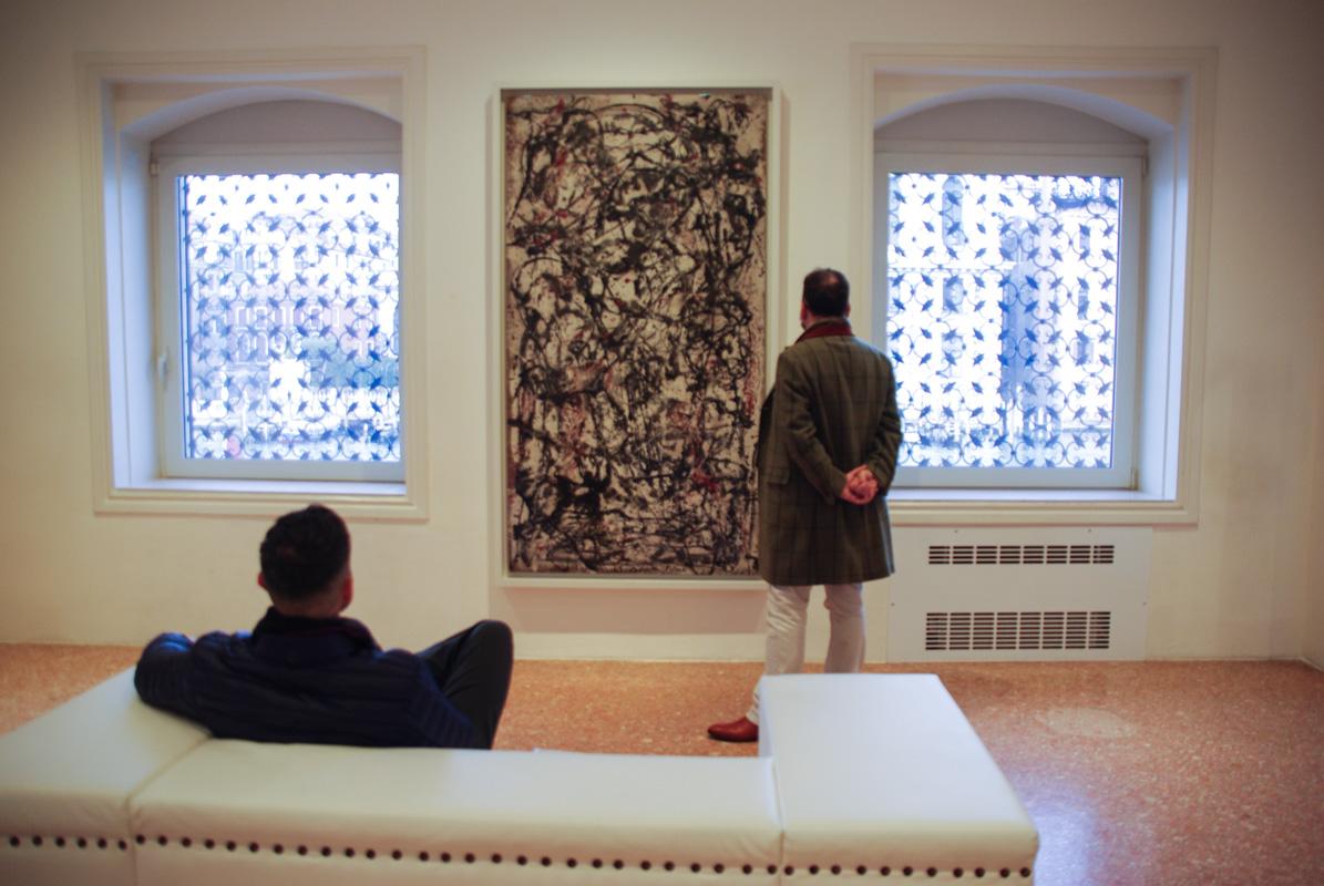 Un tableau de Pollock dans la fondation de Peggy Guggenheim