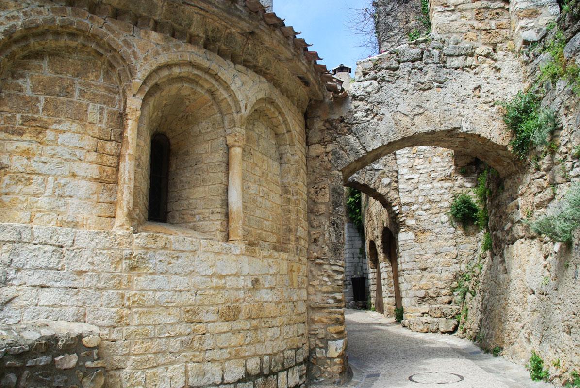 détail architectural de l'Abbaye de Gellone