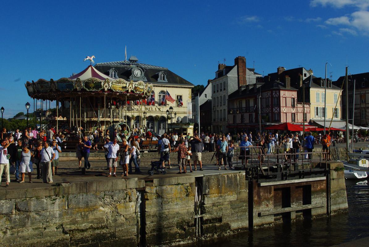 manège le long du port d'Honfleur - Normandie