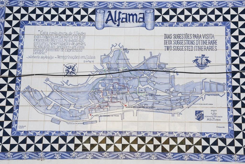 azuléjos représentant le plan de l'Alfama