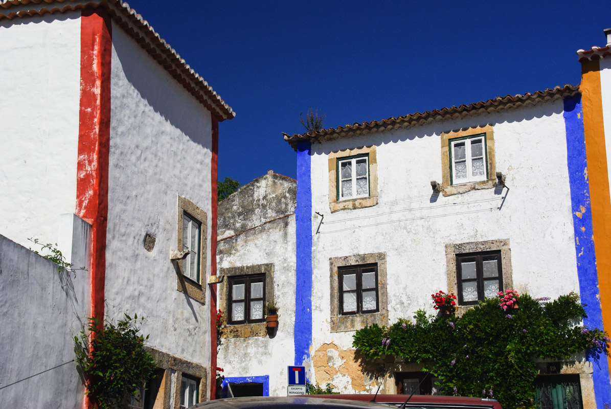 Maisons aux murs blancs - Óbidos
