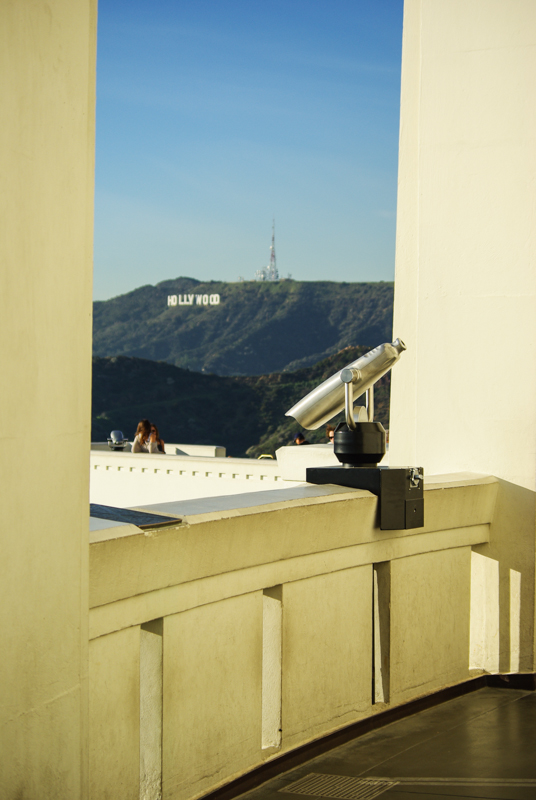 vue les lettres HOLLYWOOD depuis Griffith Observatory - Los Angeles