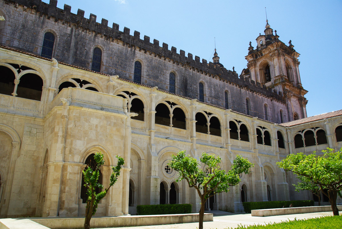 Monastère d'Alcobaça vu du cloître