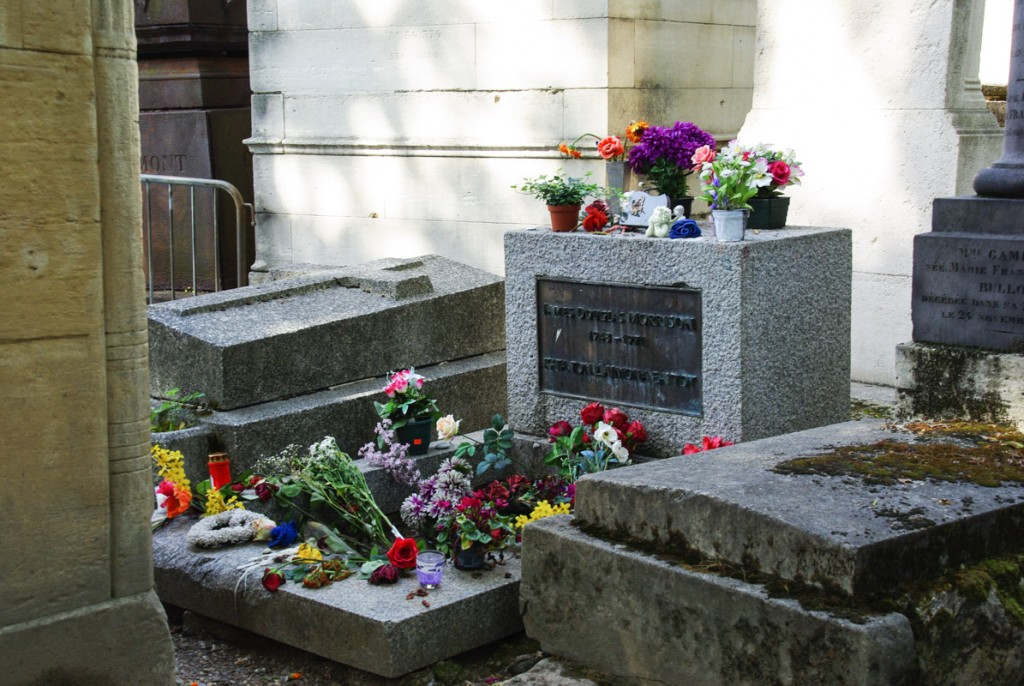 Tombe de Jim Morisson - Père Lachaise - Paris