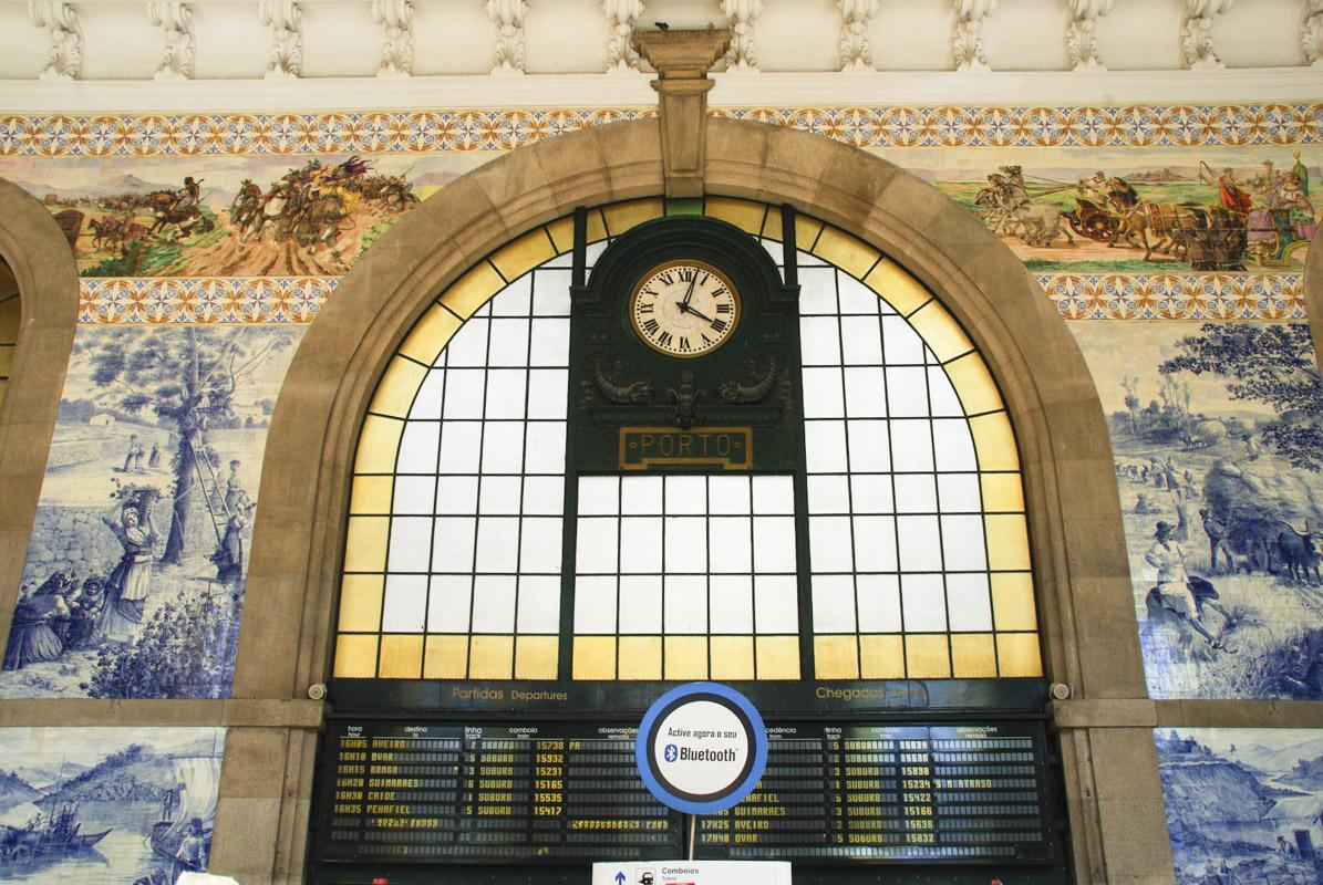 Panneau des départs - Gare de Sao Bento - Porto