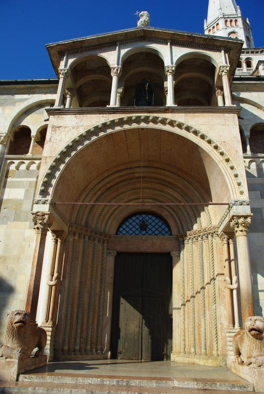 portail de la cathédrale de Modène
