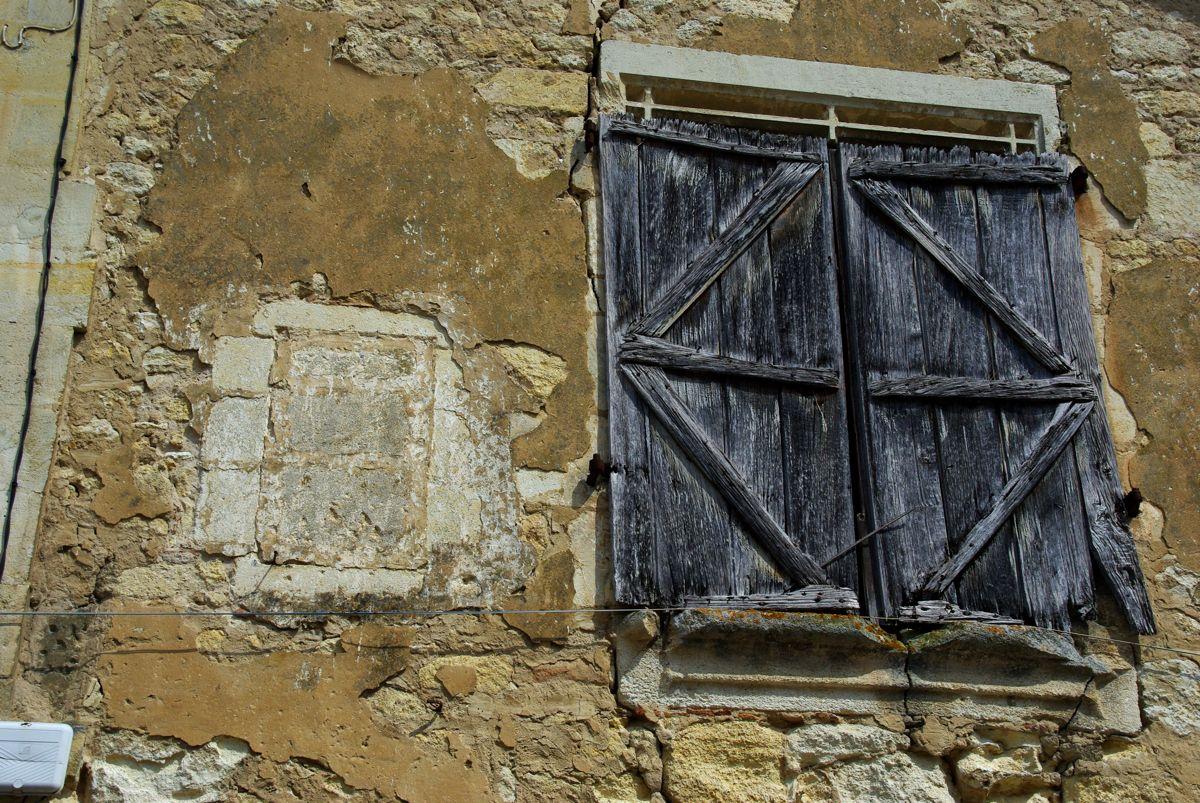 détail d'une vieille maison - Saint-Emilion