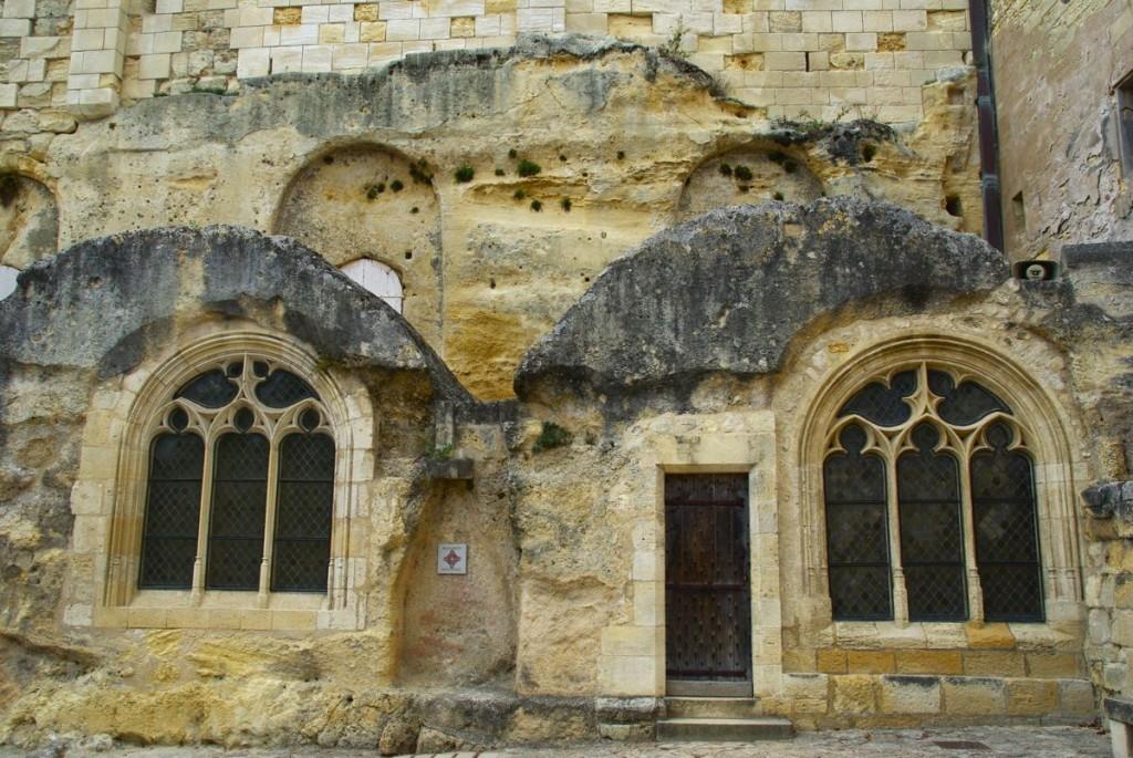 Façade de l'église monolithique - Saint-Emilion