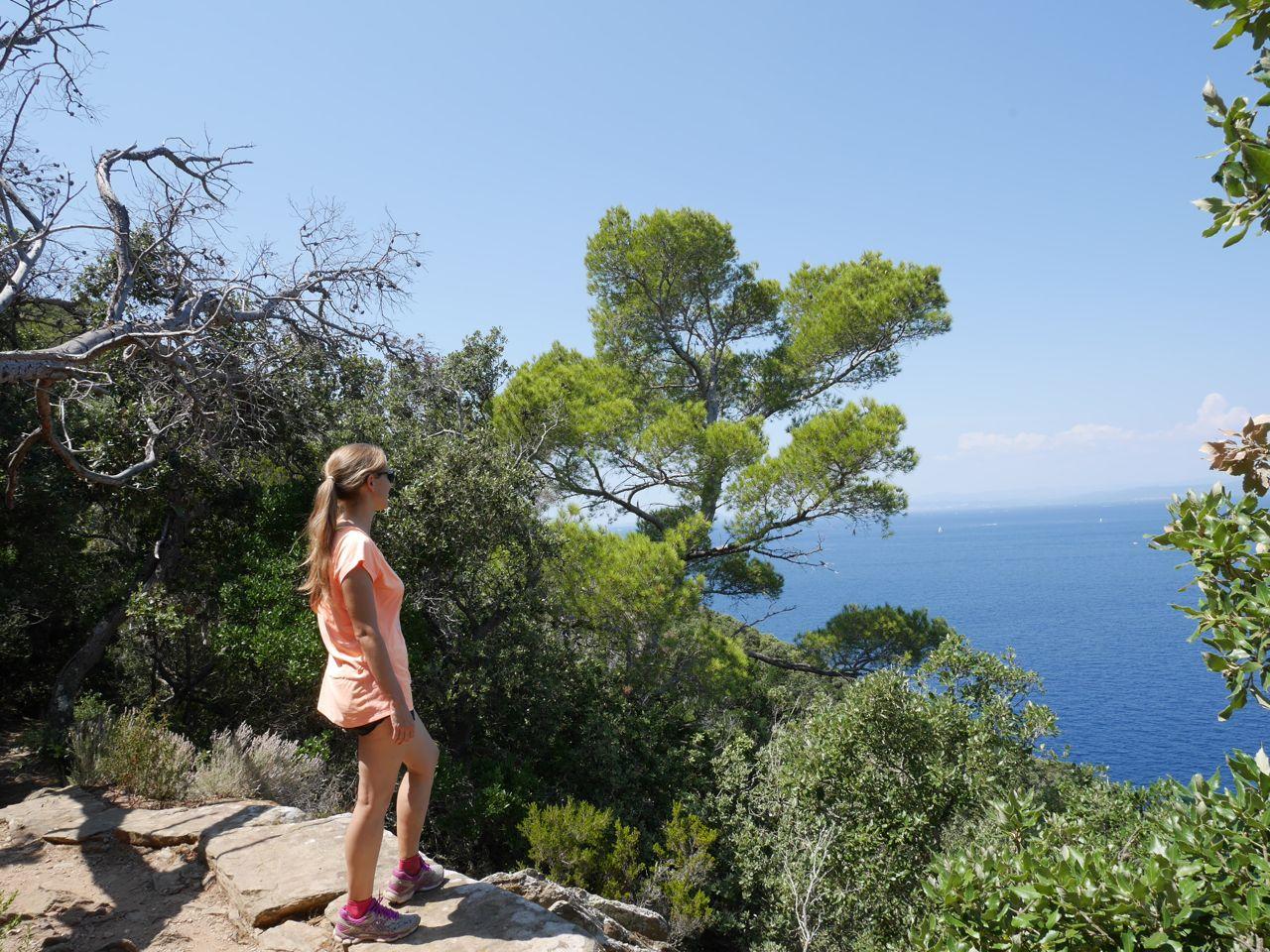 Admirer le paysage - Port Cros