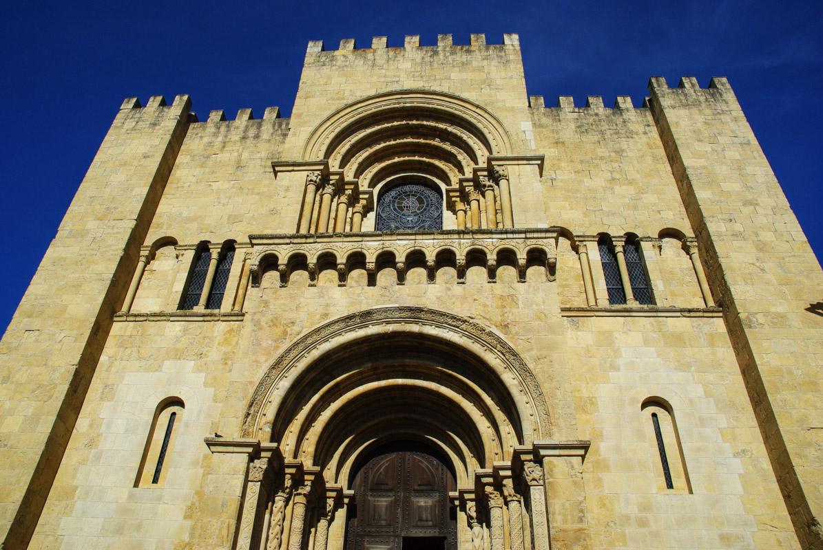 façace de la cathédrale de Coimbra