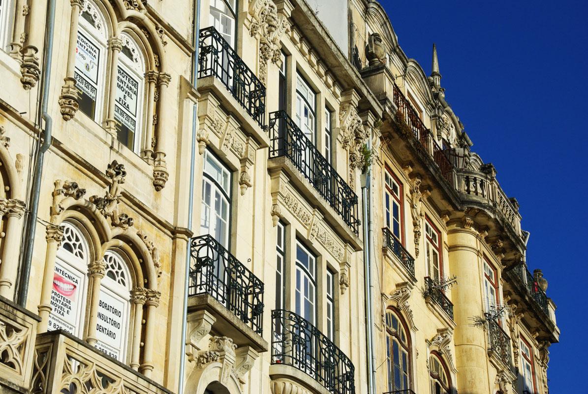 immeuble baroque de la vieille ville de Coimbra au Portugal