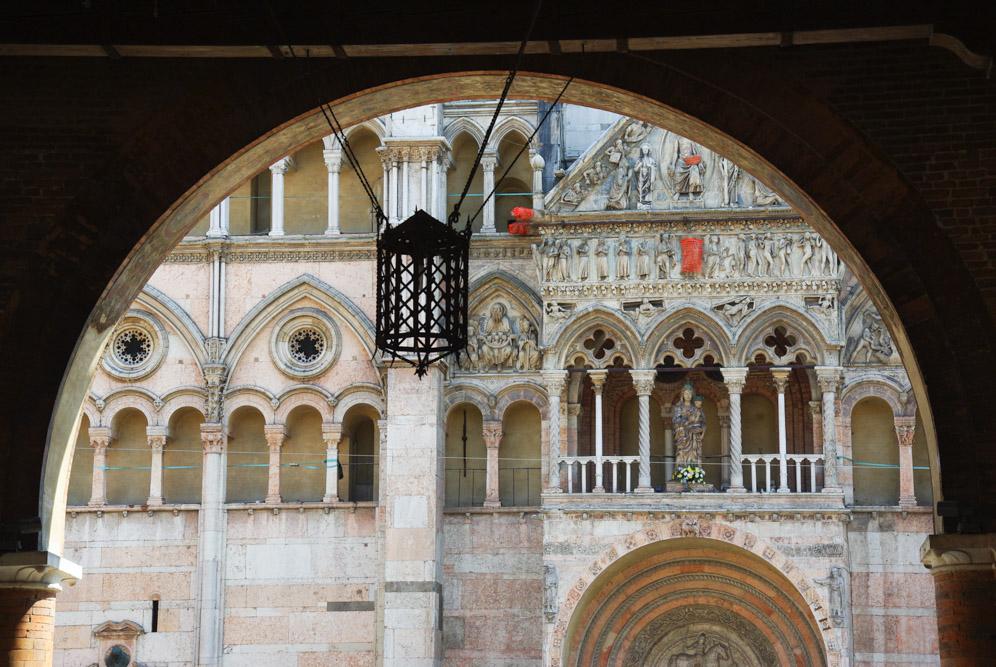 Facade de la cathédrale de Ferrare