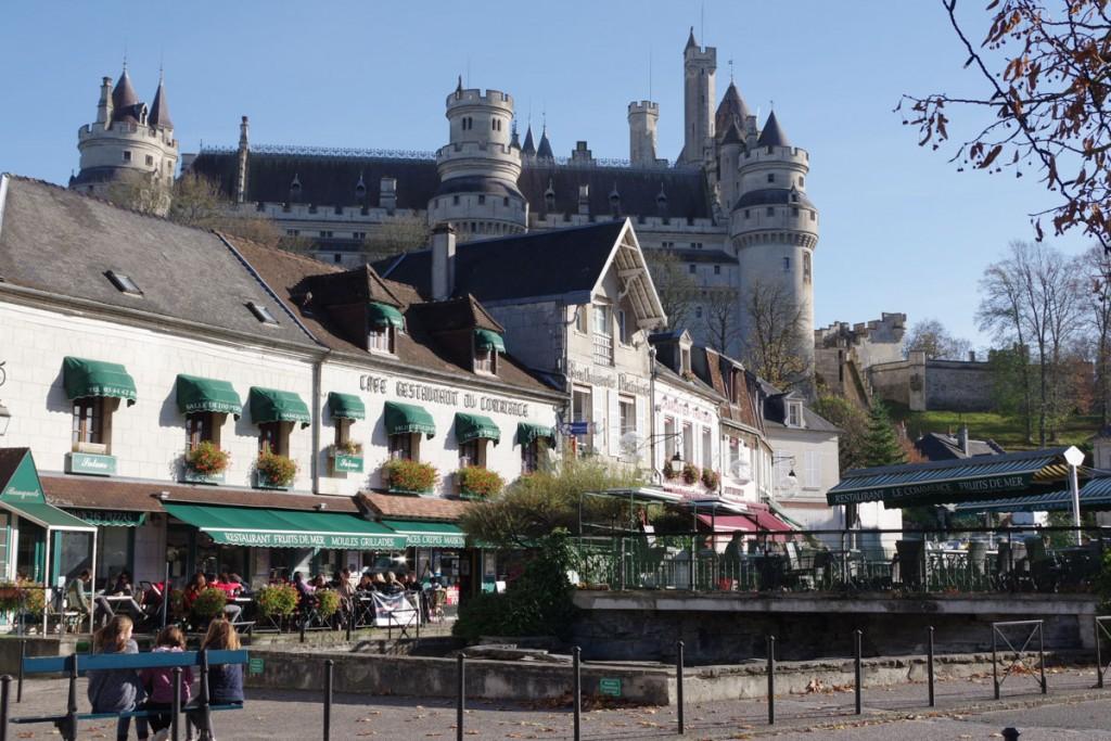 Village de Pierrfonds et son château