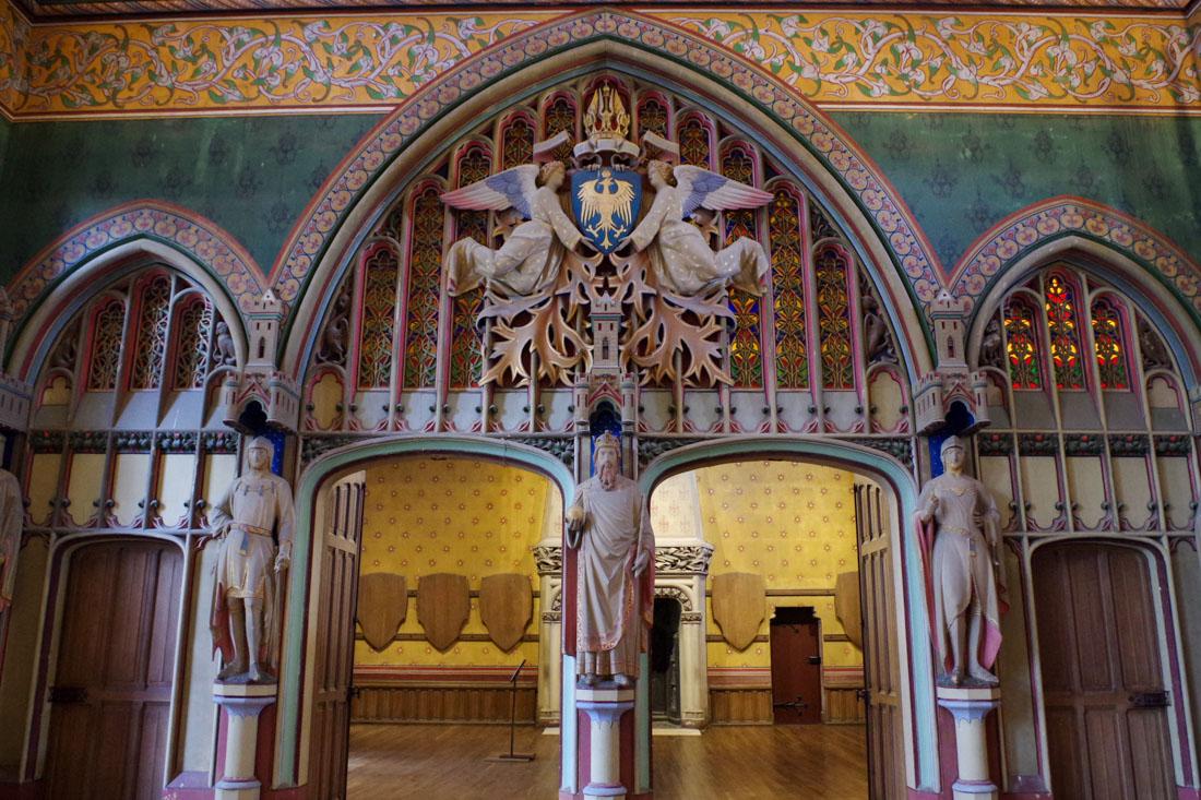 Portique d'entrée de la salle des preuses - Château de Pierrefonds