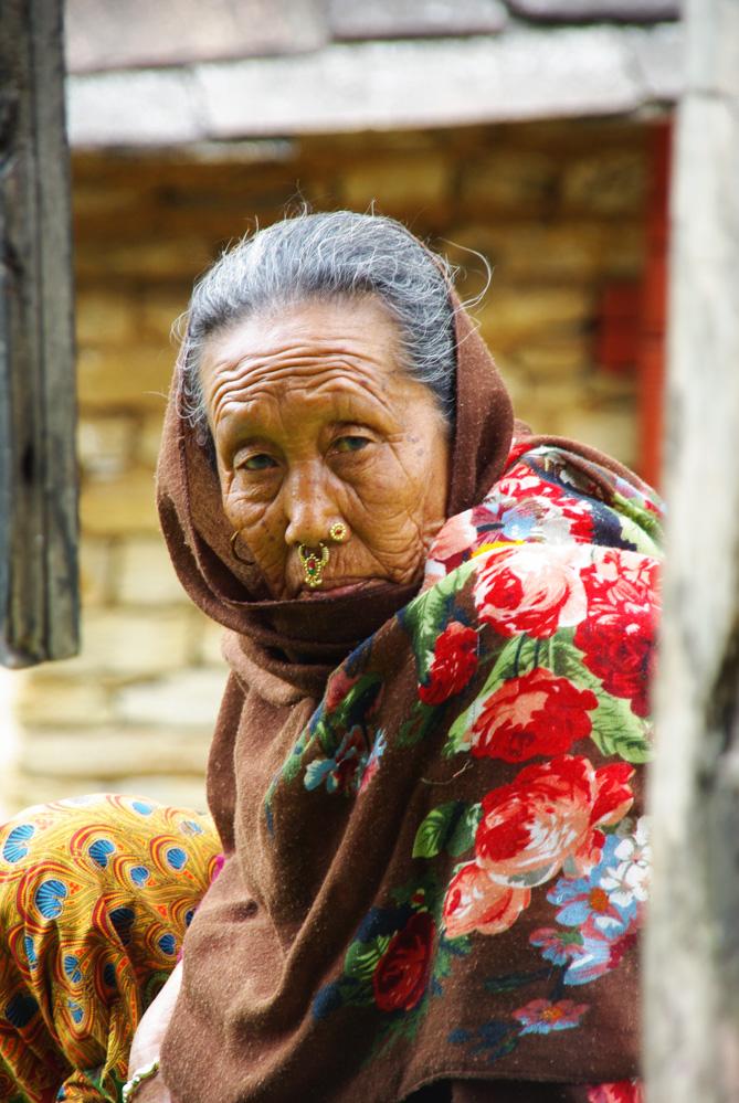 portrait d'une femme népalaise