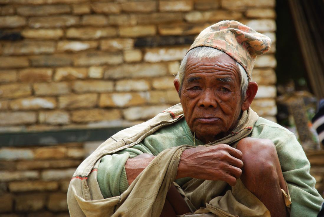 portrait d'un homme népalais