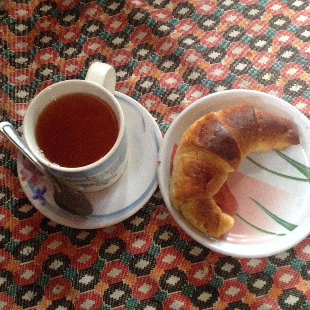 Thé et Croissant à Chomrong