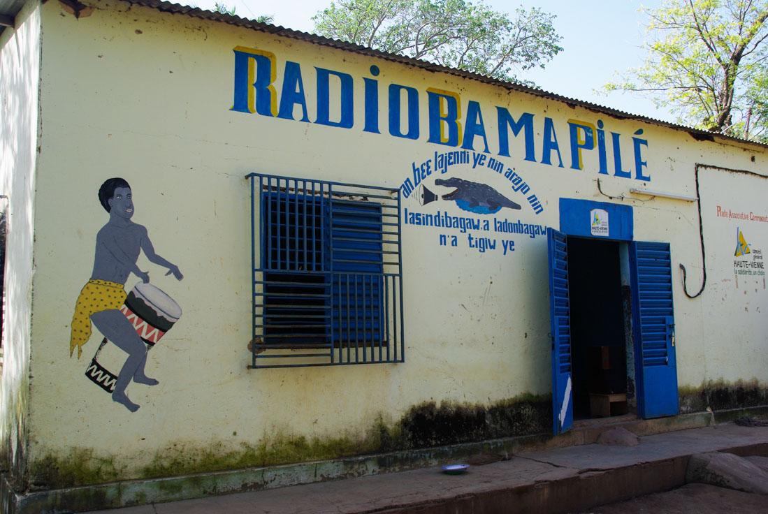 radio bama pile