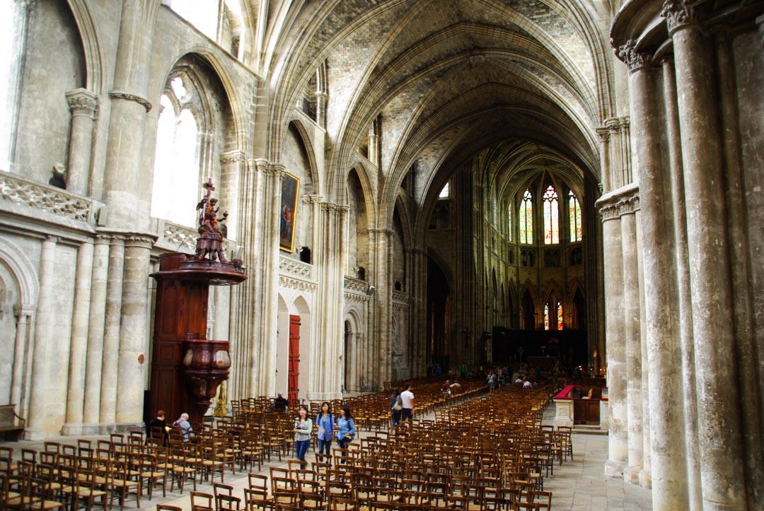 Intérieur cathédrale Saint André