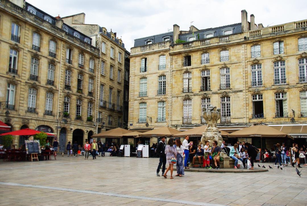 une place du centre de Bordeaux