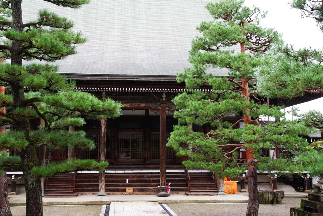 un temple bouddhiste à Hida Furukawa