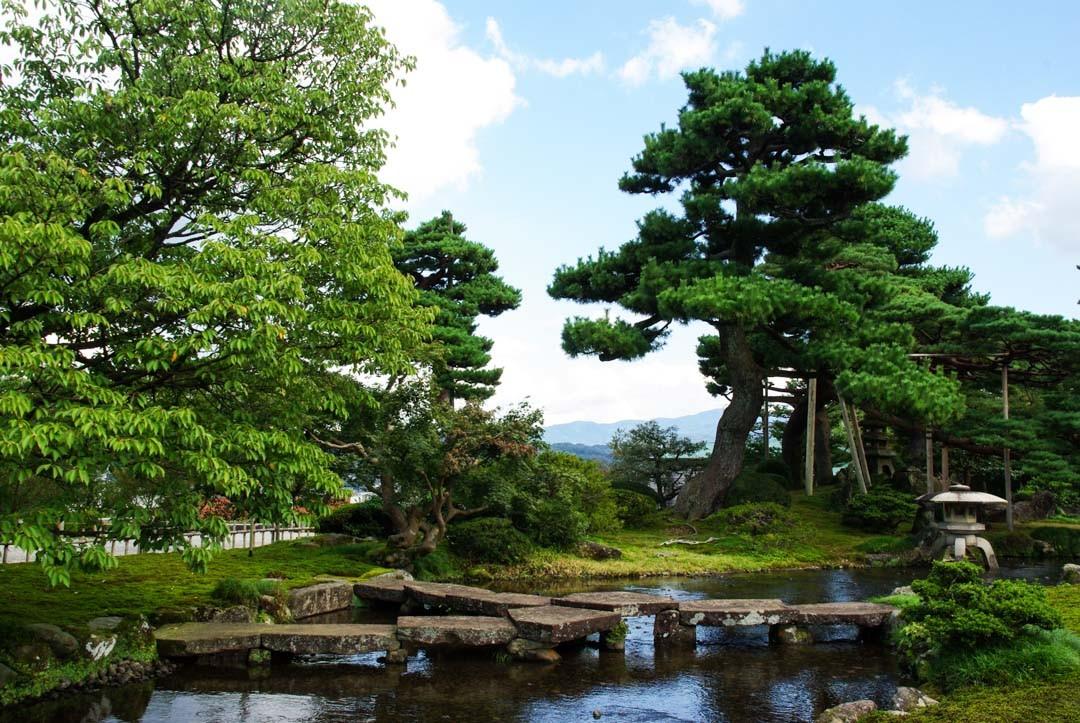 pont gankobashi - jardin Kenrokuen - Kanazawa
